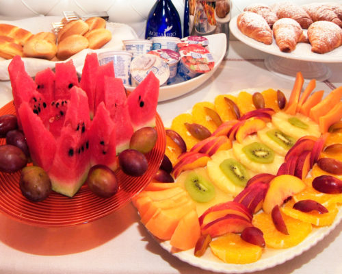 montepulciano-hotel-breakfast-fruit